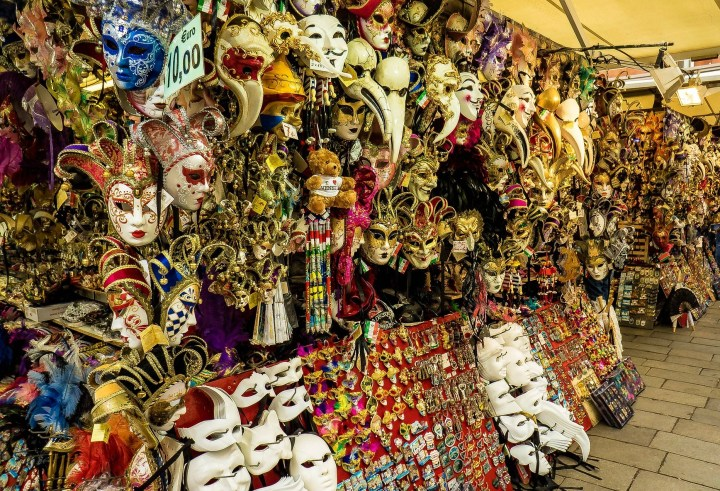 Christmas markets in Venice offer typical Venetian products, such as famous carnival masks