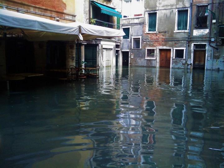 Acqua alta makes Venice sink back to the sea