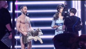 måns zelmerlöw naked on eurovision stage