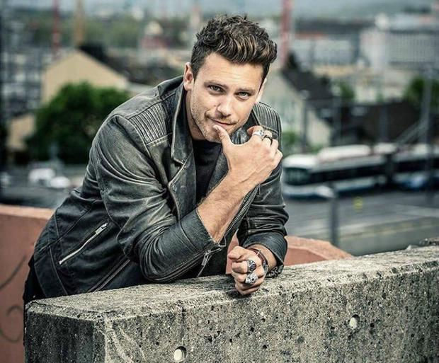 "Les découvertes de Nico :  ""All Around Us"" – Le nouveau single de Bastian Baker  !"