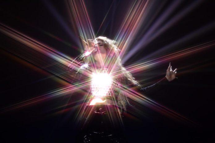 Dotter na scenie Melodifestivalen (fot. SVT)