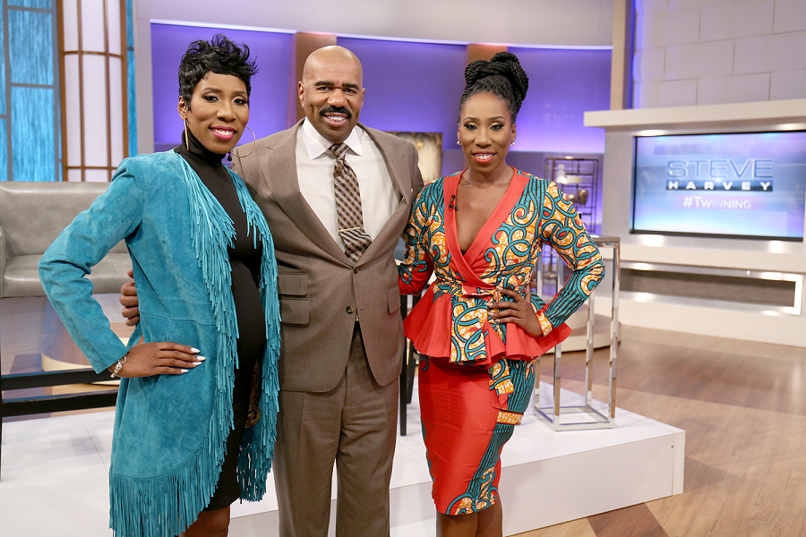 Steve Harvey's Twin Daughters to Co-Host 'Twin Hour' Episode (Clip ...