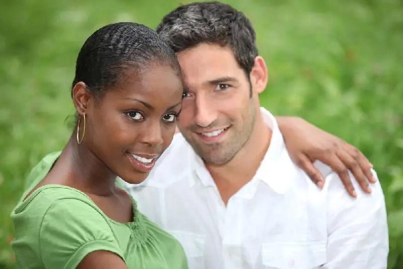 Interracial dating omdöme