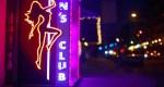 Insta :  Houston Strip Club offrant un service au volant avec une limite de deux chansons