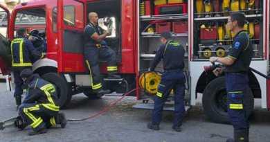 Arden dos coches en Otxarkoaga la pasada madrugada,