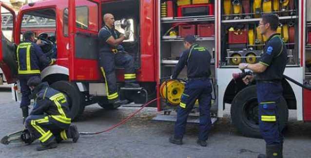 El fuego destruye un caserío en Gordexola,