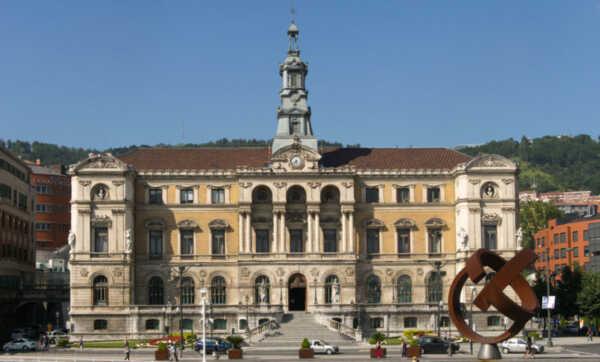 El Ayuntamiento de Bilbao no atenderá de forma presencial a los ...