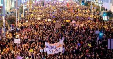 Miles de personas se manifiestan en Bilbao convocadas por el Movimiento Feminista,