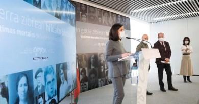 Artolazabal presenta la versión web de la base de datos de víctimas mortales de la Guerra Civil en Euskadi,