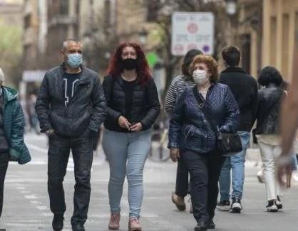 La pandemia se dispara en Euskadi con 1.003 positivos y suma 26 fallecimientos en la última semana,