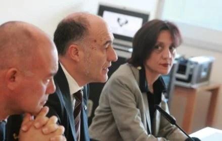 La Rectora de la universidad vasca pide para personal universitario igual trato en la vacunación que profesores de ESO,