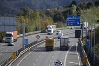 La Ertzaintza aumentará los controles de camiones y autobuses en mayo,