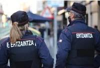 Detienen a un hombre en Donostia por amenazar a un vecino con una pistola,