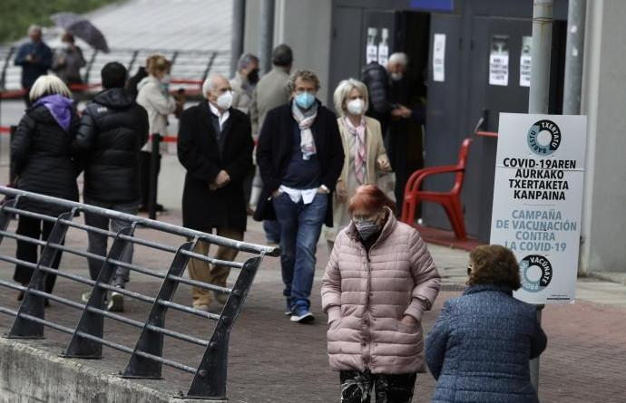 Bajan a 506 los contagios en Euskadi y la incidencia a 515 casos, pero aumentan a 195 los pacientes en UCI,