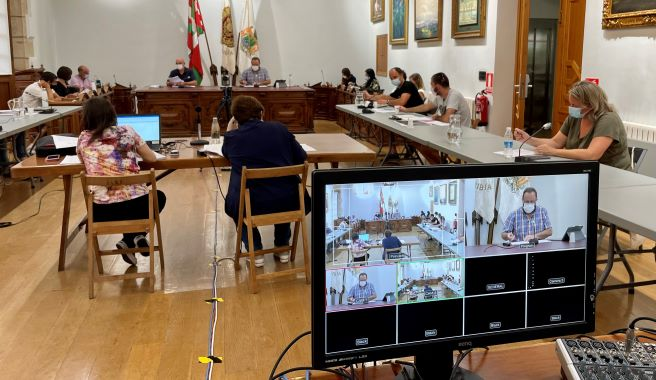 El Ayuntamiento de Hondarribia aprobó ayer la reurbanización de 12 calles,