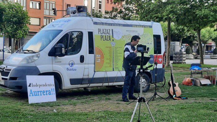 El alcalde de Tudela intenta impedir el acto de Plazaz Plaza, pero no lo  consigue |