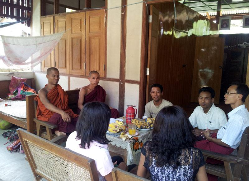 monges-mosteiro-pakokku-eusouatoa