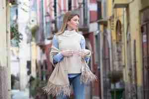 Evaem - accessori per abiti eleganti; sciarpe in lana pregiata