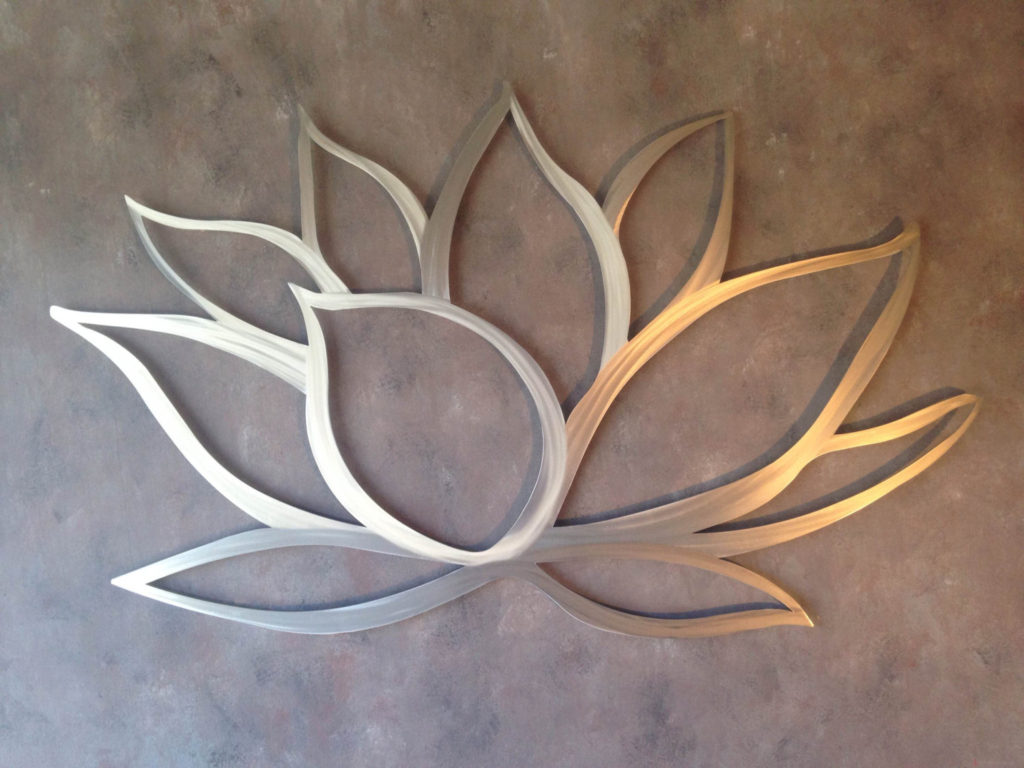 How To Decorate Using Tropical Outdoor Metal Wall Art