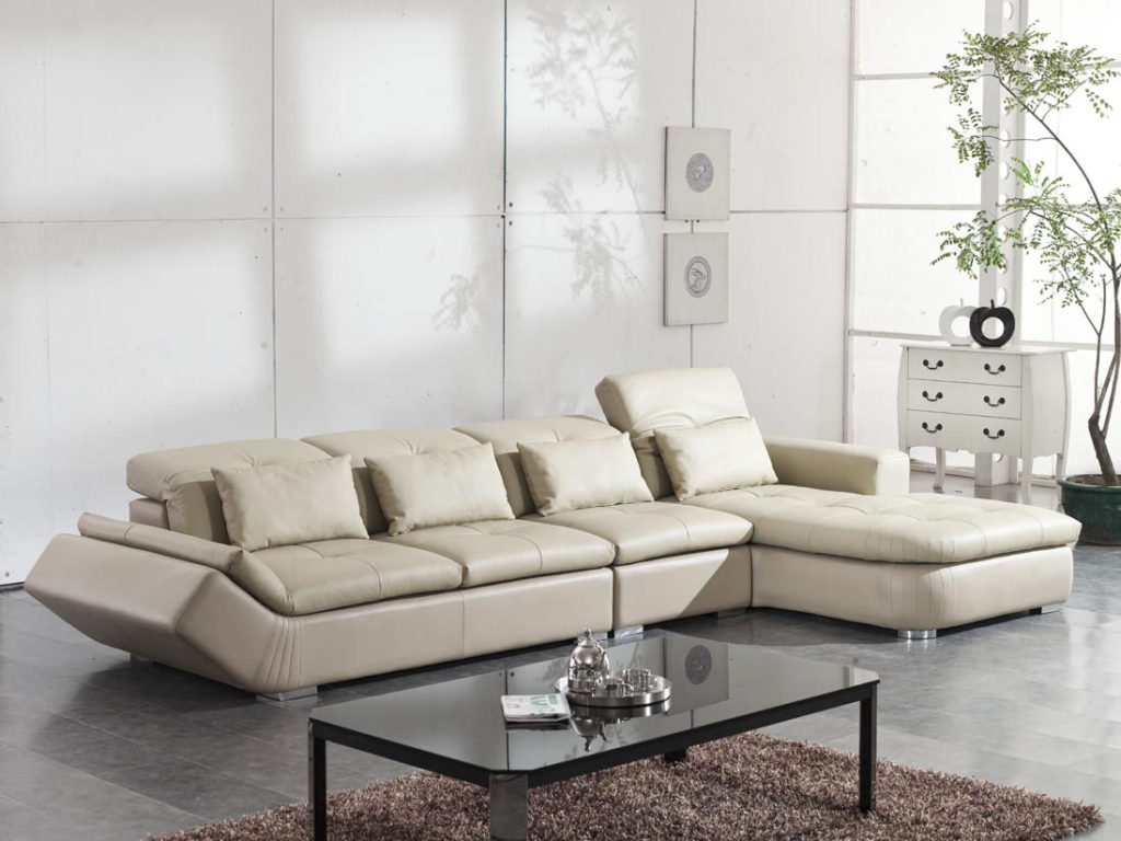 Choosing the Right Living Room Furniture For Small Rooms
