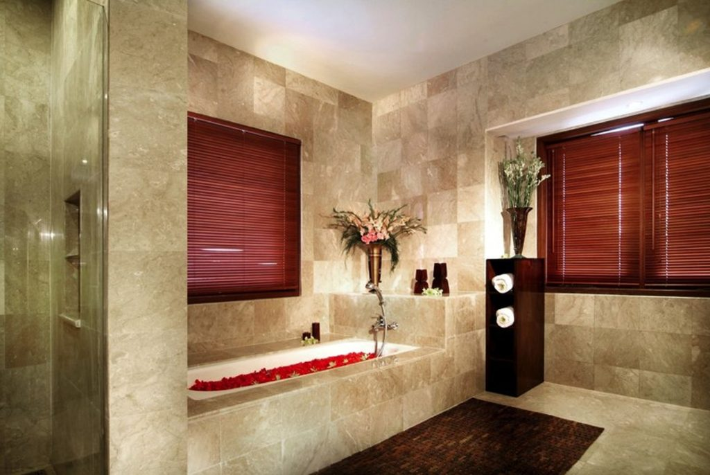 Master Bathroom Wall Decorating Ideas