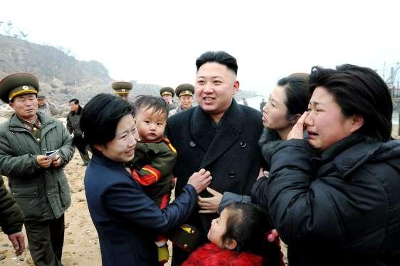 Kim Jong Un όλοι οι τυραννίσκοι και δικτάτορες πως γίνεται και είναι τόσο λαοφιλείς;