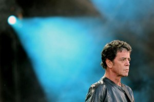 561036-singer-lou-reed-performs-during-the-isle-of-wight-festival