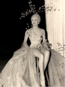 vintage showgirl Lana-