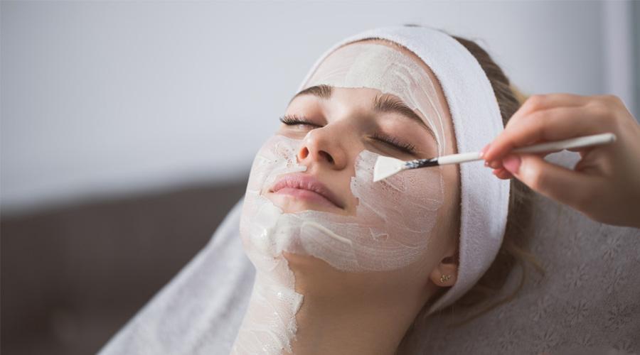 perbedaan Facial dan Chemical Peeling