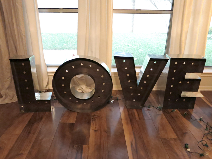{DIY Marquee Letters} - evanandkatelyn.com