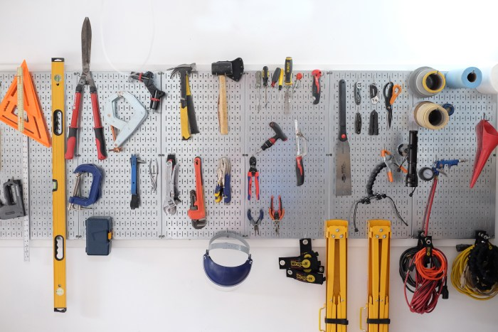DIY garage storage and organization - evanandkatelyn.com