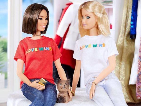"""Ativismo ideológico: Mattel apresenta a nova boneca Barbie de sexo """"neutro"""" 20"""