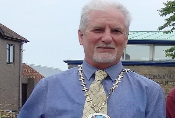 English Mayor resigns over accusations of homophobia