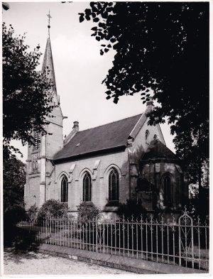 Die evangelische Kirche in Hennef nach ihrem Bau 1896.