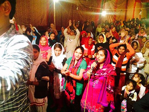 Singing in India