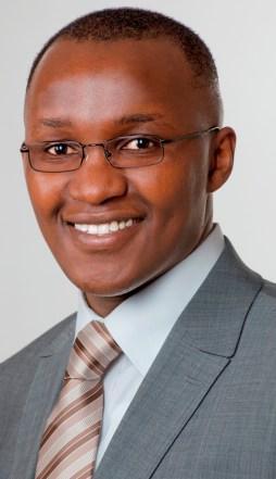 Herr James E. Njoroge, M. Sc. Volkswirtschaftslehre - freiberuflich beratender Volkswirt, Coach, freier Dozent für Wirtschaft und Gründer von Evansonslabs Beratung und Coaching