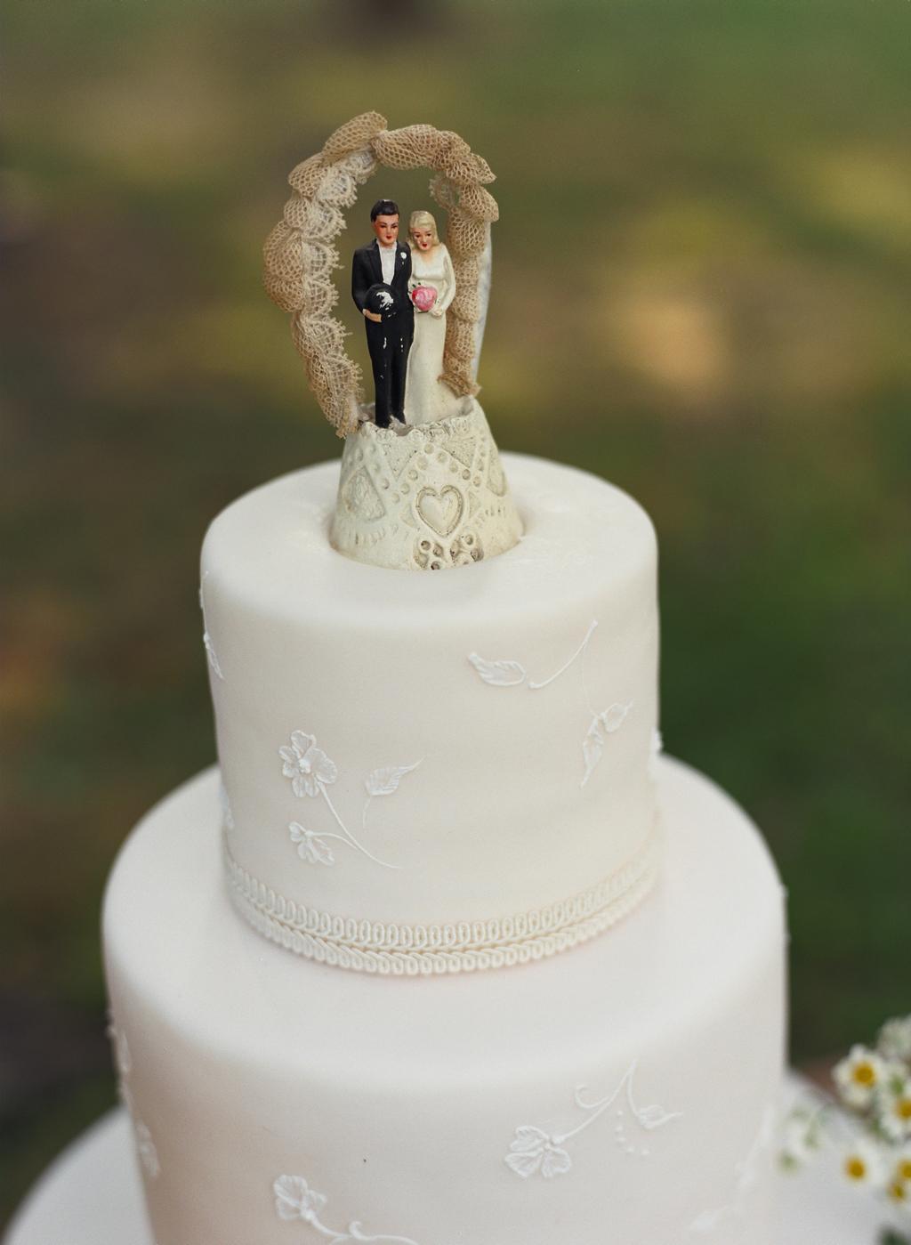 EVENT DESIGN Vintage Wedding Cake Toppers Evantine