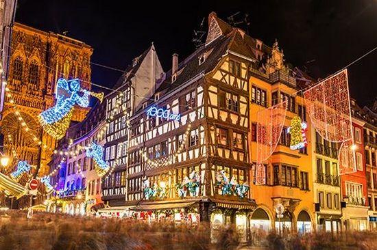 Strasbourg Capitale de Noël - Marché de Noël En Alsace - Evasion Cars Transport de personnes