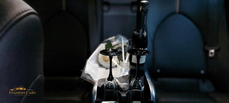Evasion Cars service de voiture avec chauffeur, service à bord, champagne