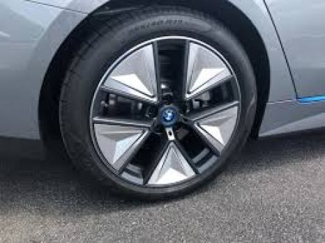 bmw i4 edrive 40 Tyre