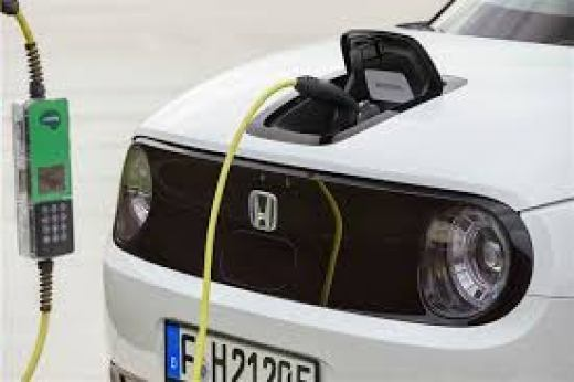 Honda e Advance Charging