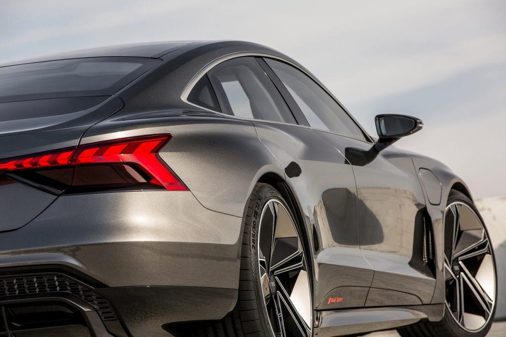 Audi-e-tron-GT 8