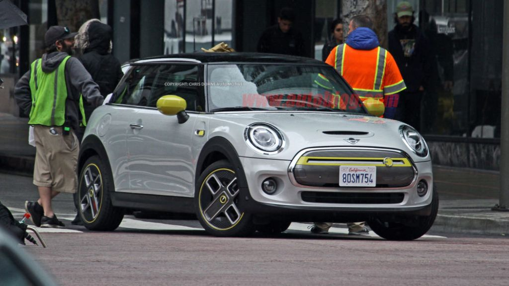 2020 Mini Cooper S E Spy Shot