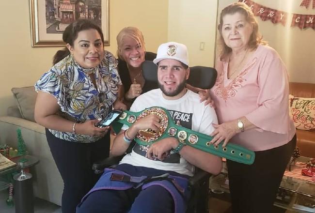 Prichard Colón: ídolo y héroe dentro y fuera del ring