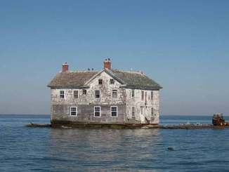 Holland Island evi