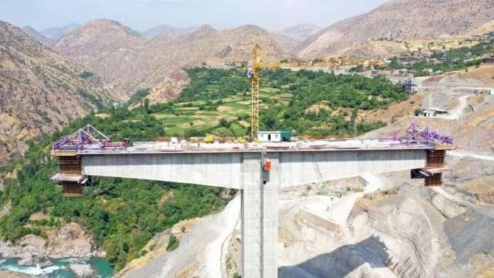 Türkiye'nin en yüksek köprüsü Botan köprüsü