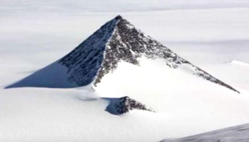 antarctica-conspiracies-pyramid-pyramids-2-GOOGLE-EARTH-1120-cecacede.jpeg