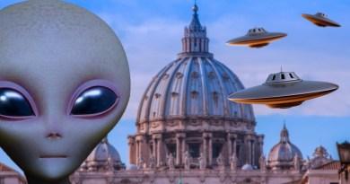 Le Vatican a eu des réunions avec des Extraterrestres – Connexion avec HAARP, Nibiru, la rencontre d'Eisenhower avec des ETs…