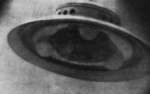 ovni-adamski-13-12-1952