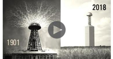 Une Tour Massive De Tesla Apparaît Soudainement Dans Un Champ À L'extérieur De Waco, Au Texas